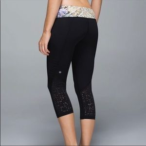 Women's lululemon water bound crops